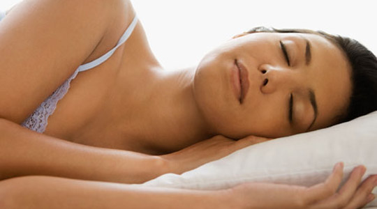 te fjeturi pak ndikon ne peshen tuaj